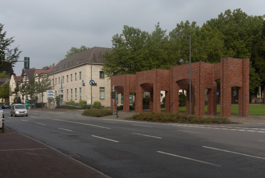 Recklinghausen, Backsteinskulptur am Lohtor foto5 2015-09-13 11.02
