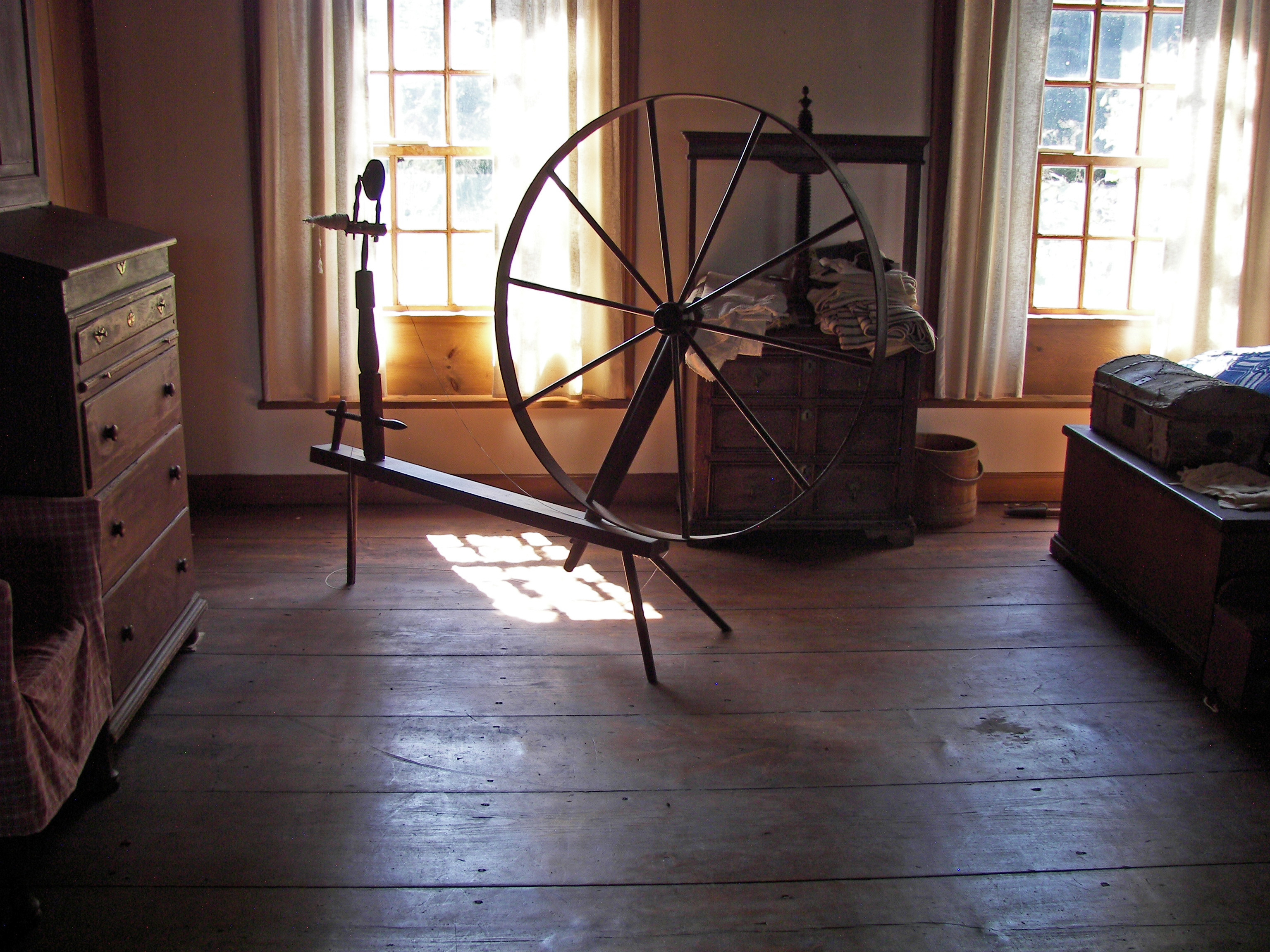 Herkimer House spinning wheel 2