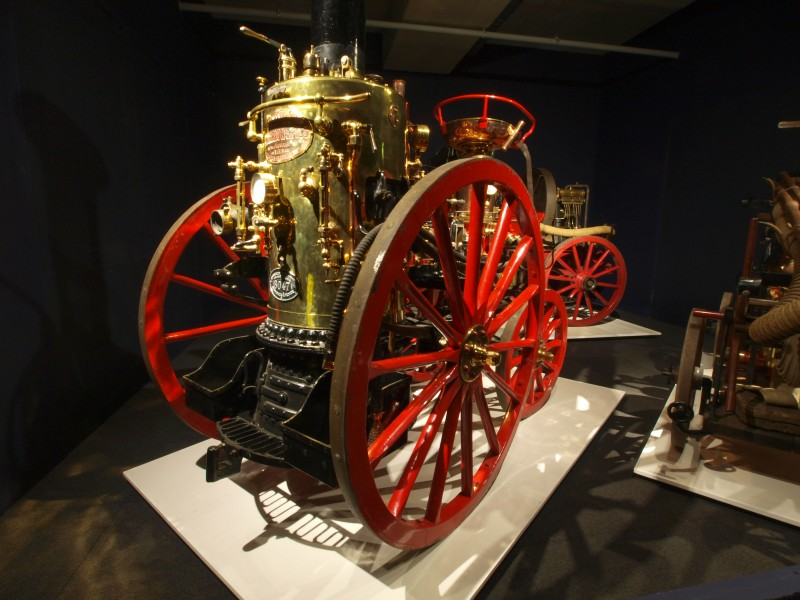 1875 Thirion Modèle No.2 Horse drawn Fire engine p1