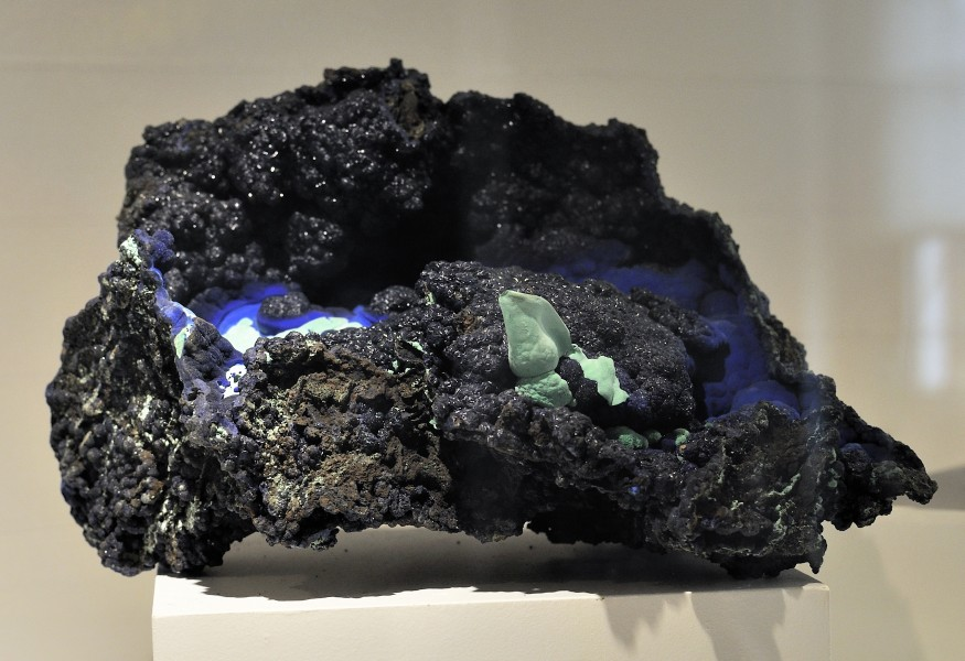 Harvard Museum of Natural History. Azurite. Czar Mine. Bisbee, Cochise Co., AZ (DerHexer) 2012-07-20