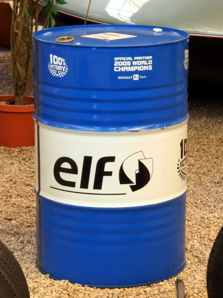 Renault F1 team ELF oil drum