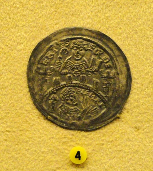 Hammered coin, Germany, Erfurt, 1142-1153 - National Museum of Finland - DSC04140