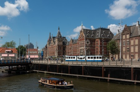 Amsterdam (NL), Centraal Station -- 2015 -- 7265