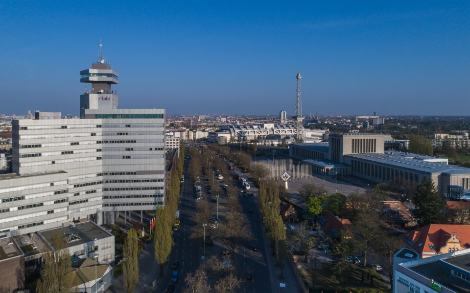 Berlin Th-Heuss-Platz UAV 04-2017 img3