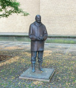 Statue of Victor Hasselblad