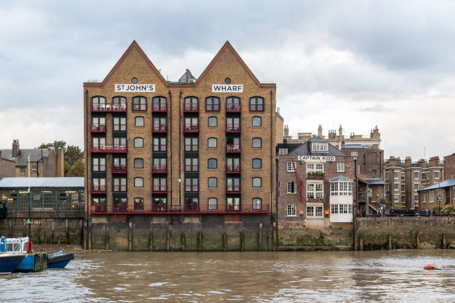 London, Wapping -- 2016 -- 4765