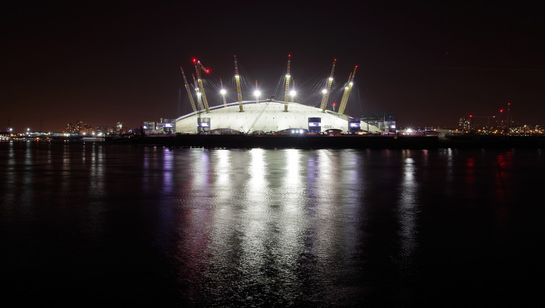 London MMB »0F0 Millennium Dome
