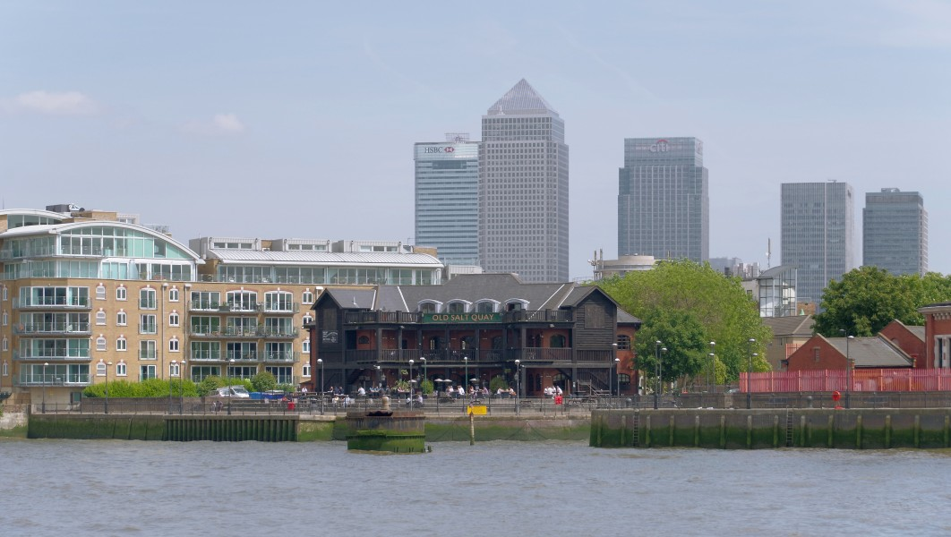 London MMB »0U9 River Thames, Old Salt Quay and Canary Wharf