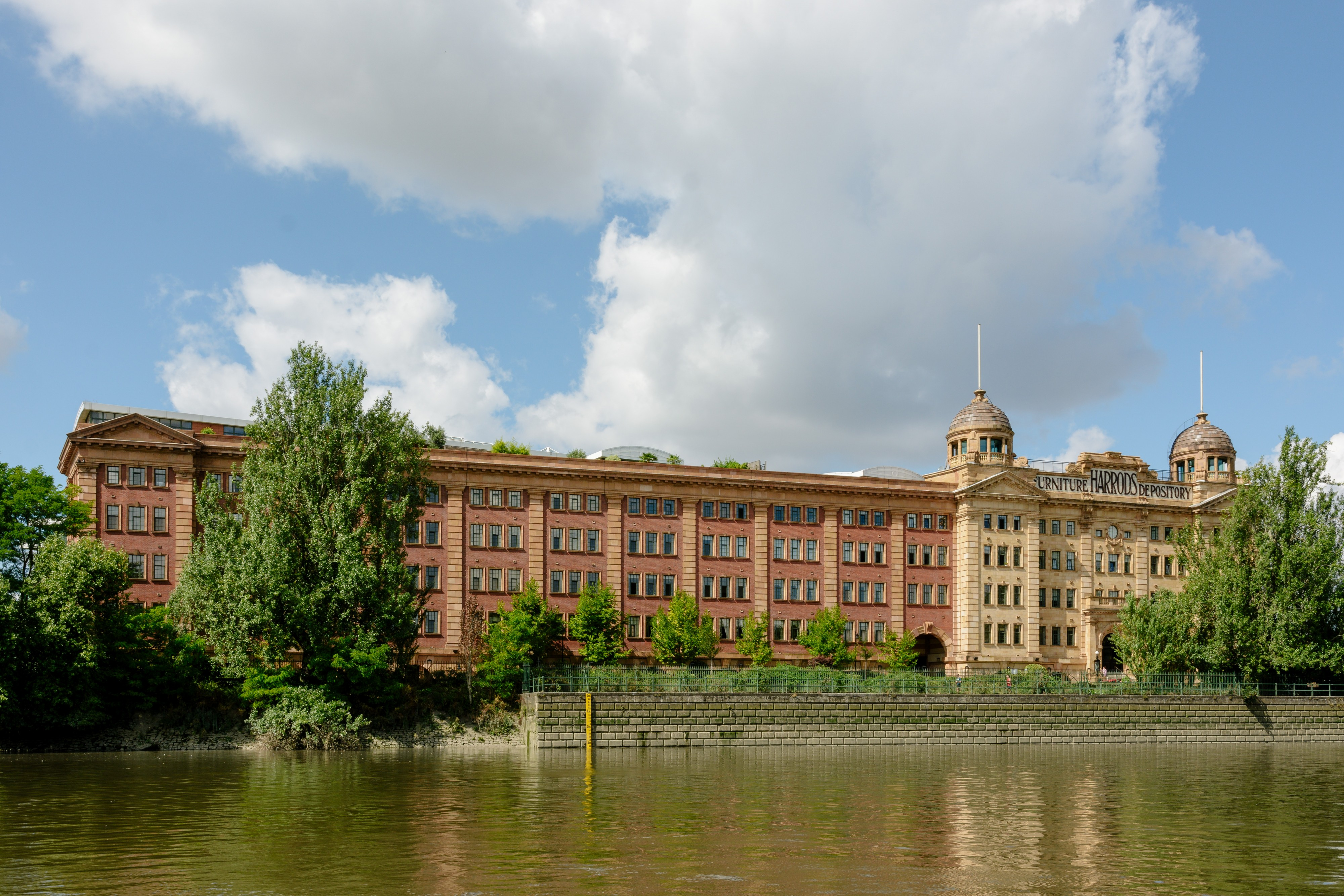 Harrods Furniture Depository 7073