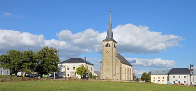 Luxembourg Elvange (Beckerich) church wide