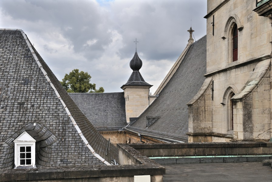 Luxembourg Notre-Dame Cathedral roof 01