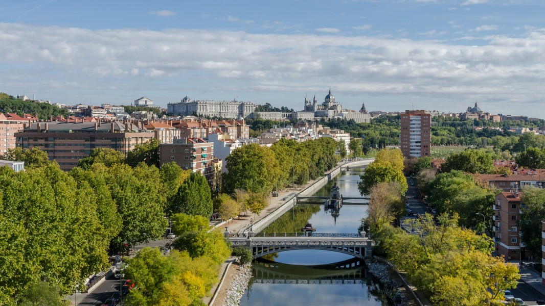 View of Madrid and Río Manzanares from Téleferico 20111029 1