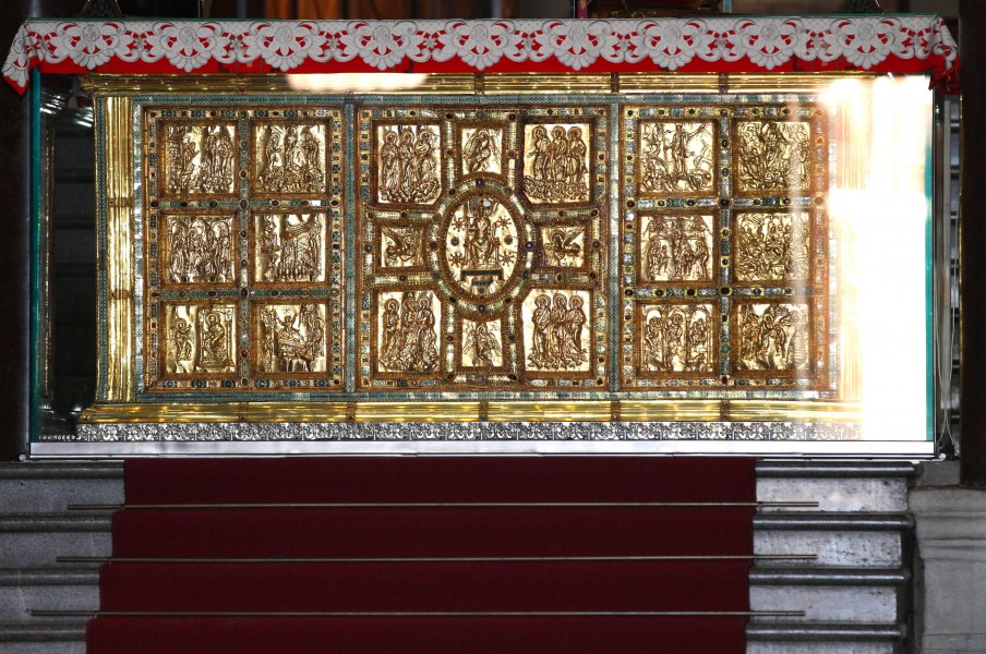 gold in Saint Ambrose basilica, Milan, Italy, August 2013, picture 12
