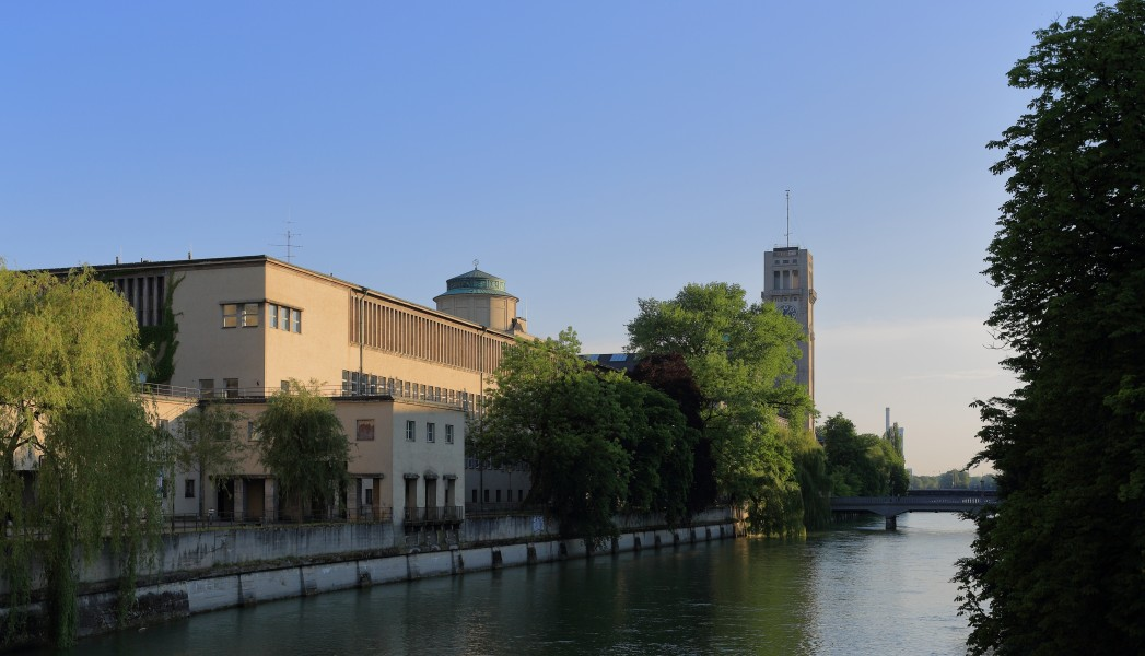 Deutsches Museum in the Evening