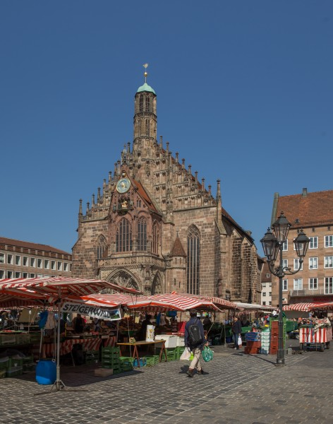 Nuremberg, Hauptmarkt and Frauenkirche 4685