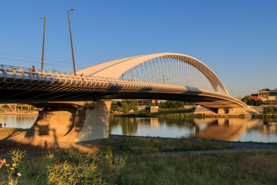 Prague 07-2016 Troja Bridge img1