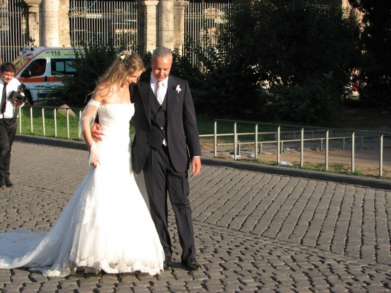 A bride and her bridegroom in Rome, Italy, European Union, August 2011, picture 35.