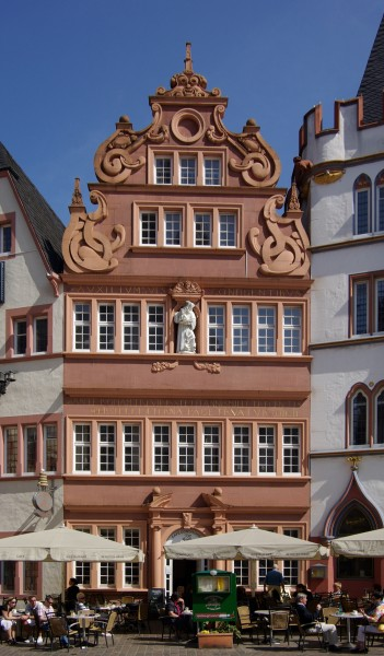 Trier Rotes Haus BW