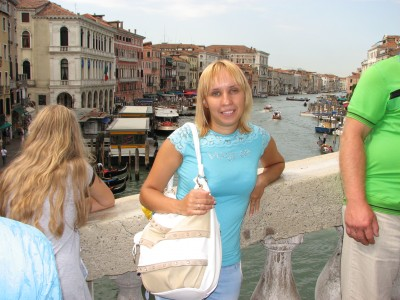 A blond woman in Venice, Italy, European Union, August 2011, picture 8