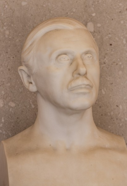 Constantin von Economo (1865-1935), Nr. 139, bust (marble) in the Arkadenhof of the University of Vienna-3636