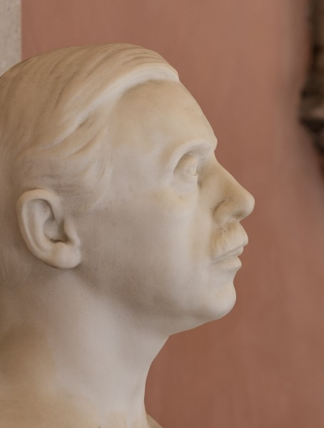 Constantin von Economo (1865-1935), Nr. 139, bust (marble) in the Arkadenhof of the University of Vienna-3637