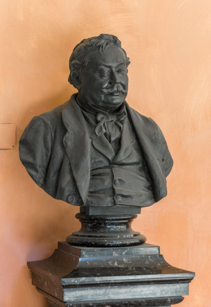 Ferdinand von Hebra (1816-1880), Nr. 106, bust (bronze) in the Arkadenhof of the University of Vienna-2880
