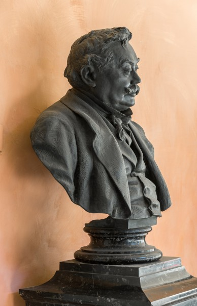 Ferdinand von Hebra (1816-1880), Nr. 106, bust (bronze) in the Arkadenhof of the University of Vienna-2881
