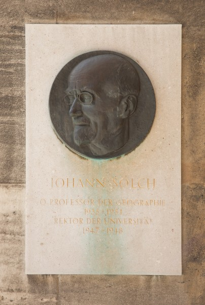 Johann Sölch (1865-1935), geographer, Nr. 137, relief (bronze) in the Arkadenhof of the University of Vienna-3523