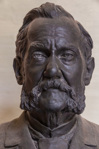 Josef Unger (Nr. 65) bust (bronze) in the Arkadenhof, University of Vienna-9333