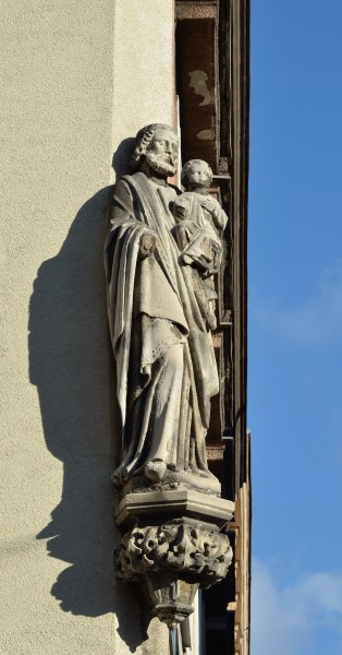 Statues of Holy Family at Kranzgasse - Herklotzgasse 05, 15th, Vienna