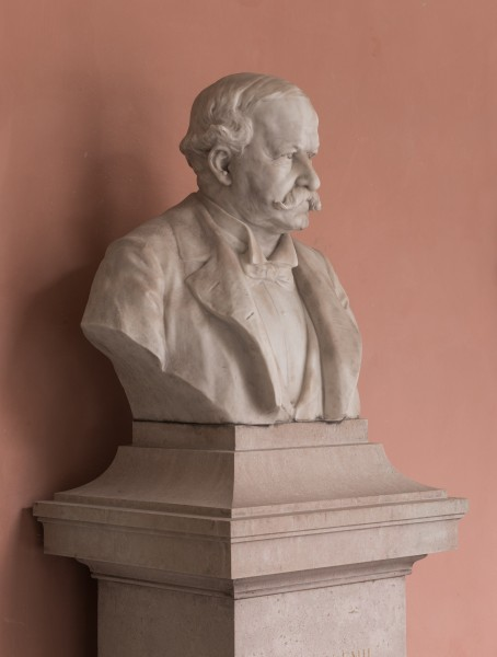Wilhelm Emil Wahlberg (Nr. 9) - Bust in the Arkadenhof, University of Vienna - 0231
