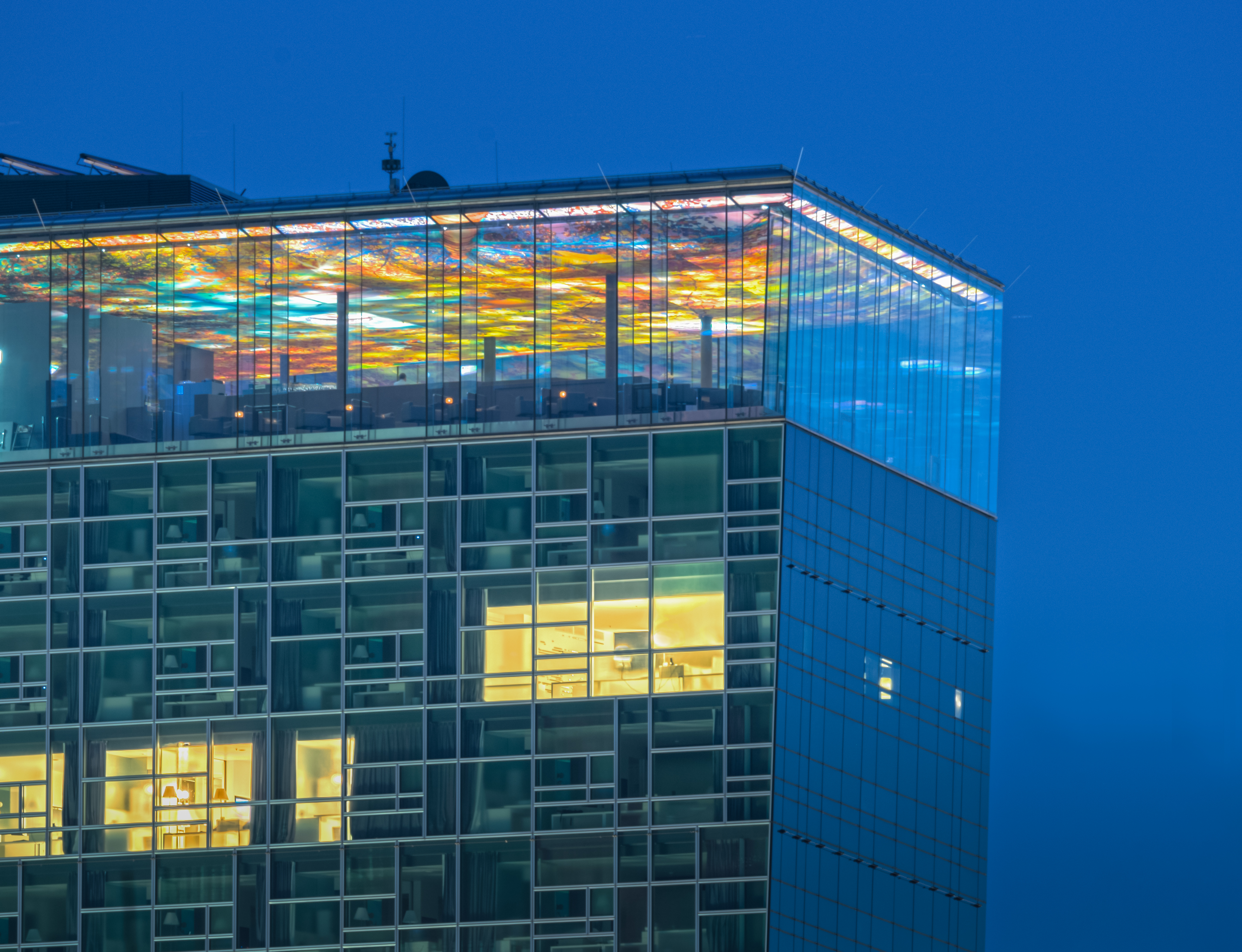 Uniqa Tower Jean Nouvel - Blue hour - Le Loft Restaurant 18th Floor 8117