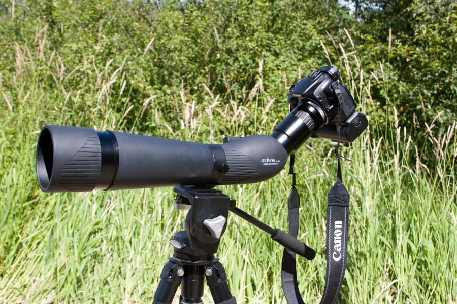 Camera and telescopic lens on a tripod -onithology-7July2007