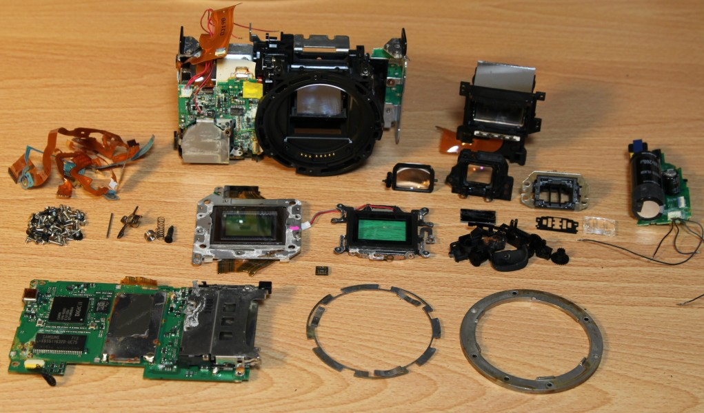 Canon XTi components after disassembly