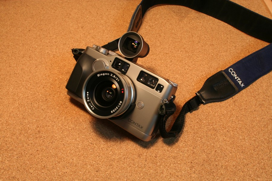 Contax g2 with biogon f2,8 21mm jp