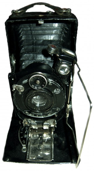 Ihagee folding plate camera with Derval lens