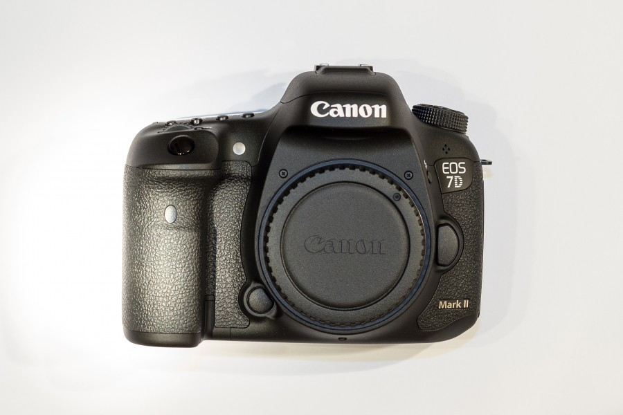 Jan2015 Canon EOS 7D Mark II Body01