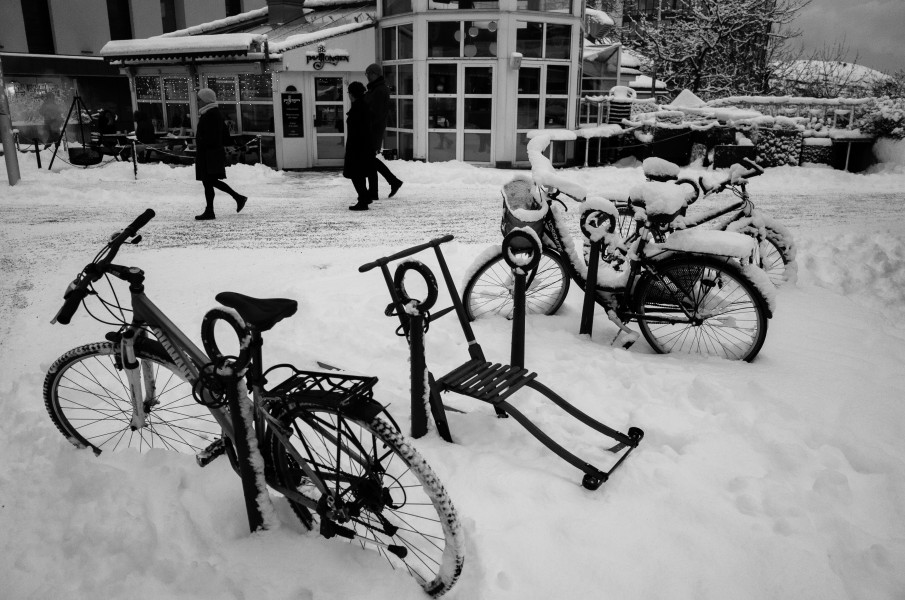 Kicksled & Bicycles in snow. Bodø, Norway (23706514231)