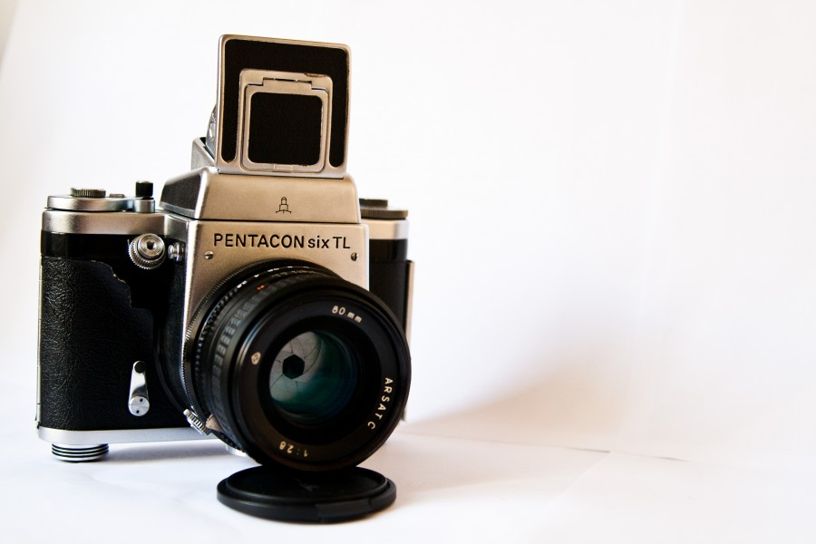 Pentacon Six TL Medium Format SLR Camera with Arsat C 80mm F2.8 Lens - (1)
