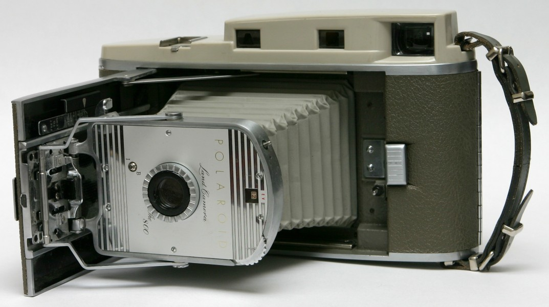 Polaroid Land Camera Model 800 front unfolded bellows