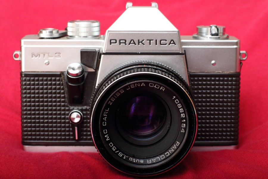 Praktica MTL-3 and MC Carl Zeiss Jena Pancolar auto 50mm 1.8 1