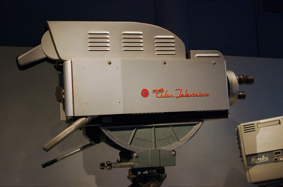 RCA Color Broadcast Camera TK-41C - 2