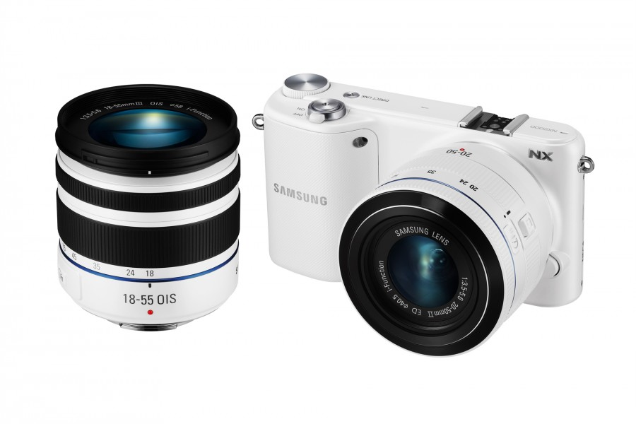 Samsung NX2000 (White) with 18-55 lens