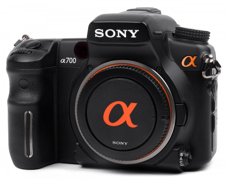 Sony-Alpha-A700-Front