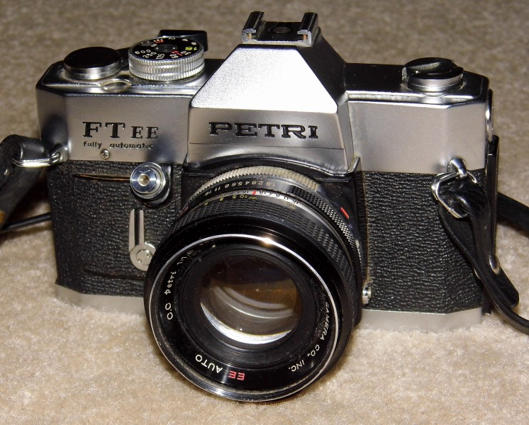 Vintage Petri Model FT EE 35mm SLR Film Camera, Circa 1969 - 1973 (13999258349)