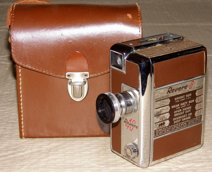 Vintage Revere 8mm Movie Camera, Model 40, Magazine Load, Made In USA, A Compact And Well-Built Camera, Circa 1951 (13292295625)