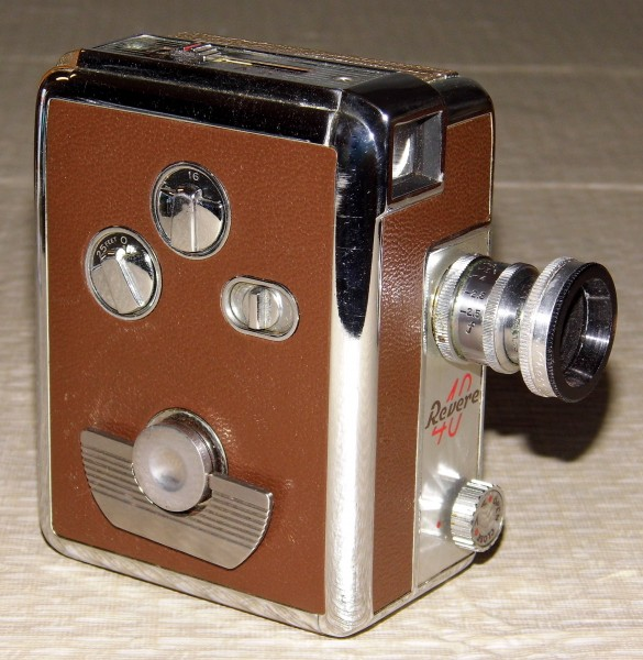 Vintage Revere 8mm Movie Camera, Model 40, Magazine Load, Made In USA, A Compact And Well-Built Camera, Circa 1951 (13292427993)