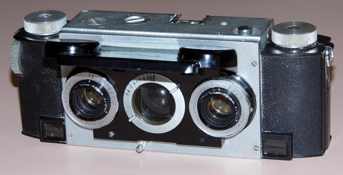 Vintage Stereo Realist 2.8 Camera, Model 1042 (13536476343)