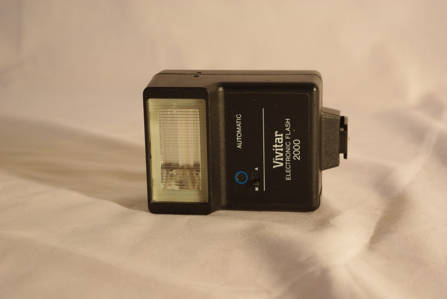 Vivitar electronic flash for Ricoh Singlex TLS (1)