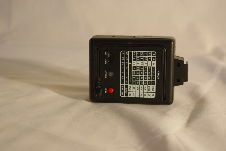 Vivitar electronic flash for Ricoh Singlex TLS (2)